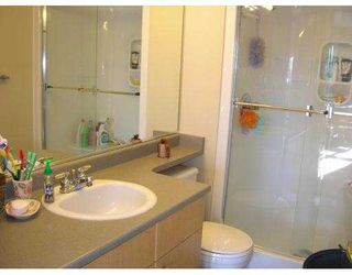 """Photo 9: 208 6676 NELSON Avenue in Burnaby: Metrotown Condo for sale in """"NELSON ON THE PARK"""" (Burnaby South)  : MLS®# V796012"""