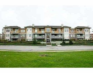 """Photo 1: 208 6676 NELSON Avenue in Burnaby: Metrotown Condo for sale in """"NELSON ON THE PARK"""" (Burnaby South)  : MLS®# V796012"""