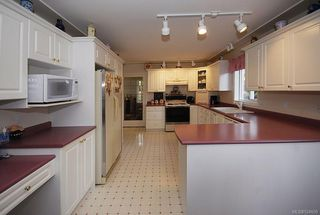 Photo 11: 510 Fawn Pl in : La Thetis Heights House for sale (Langford)  : MLS®# 524659