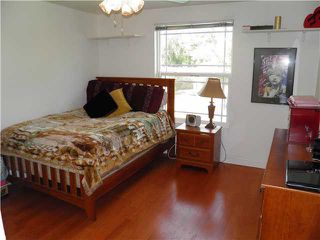 Photo 12: CHULA VISTA House for sale : 5 bedrooms : 160 Corte Maria