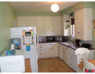 Photo 3: 33714 LINCOLN RD in Abbotsford: Central Abbotsford House for sale : MLS®# F2616765