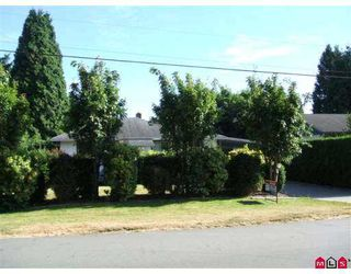 Photo 1: 33714 LINCOLN RD in Abbotsford: Central Abbotsford House for sale : MLS®# F2616765