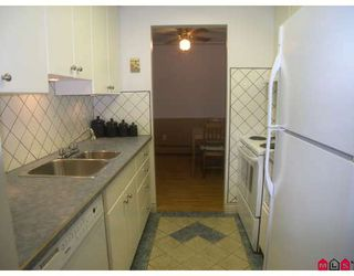 "Photo 2: 301 7426 138TH Street in Surrey: East Newton Condo for sale in ""Glencoe"" : MLS®# F2820598"