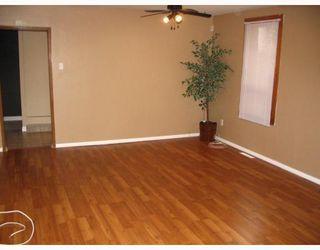 Photo 2: 144 ST VITAL Road in WINNIPEG: St Vital Residential for sale (South East Winnipeg)  : MLS®# 2818505