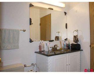 Photo 8: 419 10530 154TH Street in Surrey: Guildford Condo for sale (North Surrey)  : MLS®# F2907187