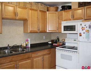 Photo 6: 419 10530 154TH Street in Surrey: Guildford Condo for sale (North Surrey)  : MLS®# F2907187