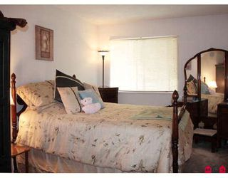 Photo 7: 419 10530 154TH Street in Surrey: Guildford Condo for sale (North Surrey)  : MLS®# F2907187
