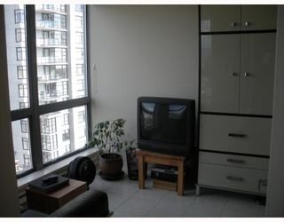 "Photo 6: 1102 3663 CROWLEY Drive in Vancouver: Collingwood VE Condo for sale in ""Latitude"" (Vancouver East)  : MLS®# V765938"