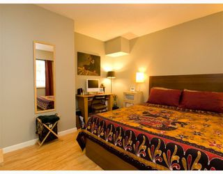 Photo 6: 2 137 E 5TH Street in North_Vancouver: Lower Lonsdale Condo for sale (North Vancouver)  : MLS®# V780710