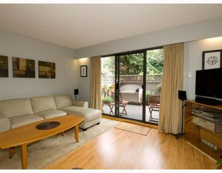 Photo 3: 2 137 E 5TH Street in North_Vancouver: Lower Lonsdale Condo for sale (North Vancouver)  : MLS®# V780710