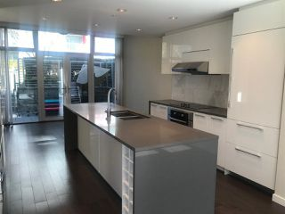 "Photo 2: TH6 5728 BERTON Avenue in Vancouver: University VW Townhouse for sale in ""ACADEMY BY POLYGON"" (Vancouver West)  : MLS®# R2434974"