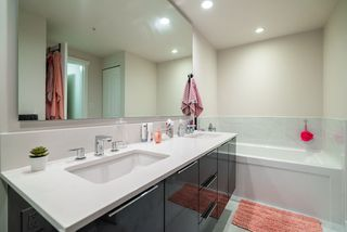 "Photo 15: 2103 3096 WINDSOR Gate in Coquitlam: New Horizons Condo for sale in ""Mantyla by Polygon"" : MLS®# R2476070"
