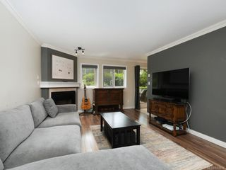 Photo 4: 106 494 Marsett Pl in Saanich: SW Royal Oak Condo Apartment for sale (Saanich West)  : MLS®# 844484