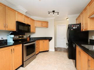 Photo 8: 106 494 Marsett Pl in Saanich: SW Royal Oak Condo Apartment for sale (Saanich West)  : MLS®# 844484