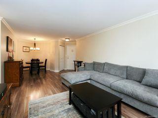 Photo 3: 106 494 Marsett Pl in Saanich: SW Royal Oak Condo Apartment for sale (Saanich West)  : MLS®# 844484