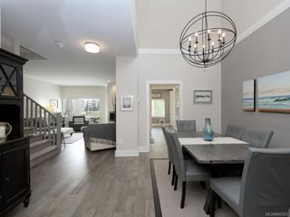 Photo 3: 59 530 Marsett Pl in : SW Royal Oak Row/Townhouse for sale (Saanich West)  : MLS®# 850323