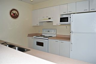 """Photo 6: 301 5855 COWRIE Street in Sechelt: Sechelt District Condo for sale in """"THE OSPREY"""" (Sunshine Coast)  : MLS®# R2527048"""