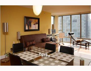 "Photo 3: 2304 950 CAMBIE Street in Vancouver: Downtown VW Condo for sale in ""LANDMARK PACIFIC"" (Vancouver West)  : MLS®# V799371"
