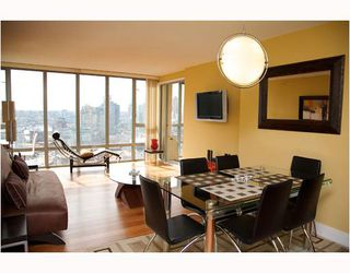 "Photo 2: 2304 950 CAMBIE Street in Vancouver: Downtown VW Condo for sale in ""LANDMARK PACIFIC"" (Vancouver West)  : MLS®# V799371"