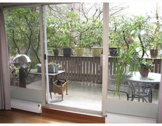 """Photo 8: 2 5535 OAK Street in Vancouver: Shaughnessy Condo for sale in """"SHAWNOAKS"""" (Vancouver West)  : MLS®# V811099"""