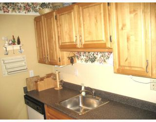 """Photo 5: 111 1385 DRAYCOTT Road in North Vancouver: Lynn Valley Condo for sale in """"BROOKWOOD NORTH"""" : MLS®# V813197"""