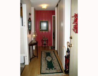 """Photo 9: 111 1385 DRAYCOTT Road in North Vancouver: Lynn Valley Condo for sale in """"BROOKWOOD NORTH"""" : MLS®# V813197"""