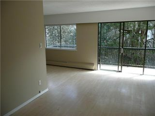 "Photo 2: 307 214 E 15TH Street in North Vancouver: Central Lonsdale Condo for sale in ""HACIENDA"" : MLS®# V826672"