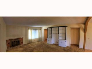 Photo 4: OCEANSIDE House for sale : 5 bedrooms : 2105 Maxson