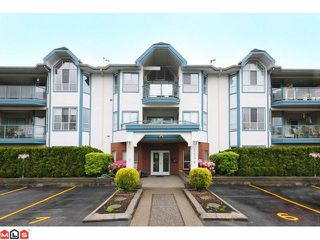 """Photo 1: 306 5646 200TH Street in Langley: Langley City Condo for sale in """"CAMBRIDGE COURT"""" : MLS®# F1026296"""