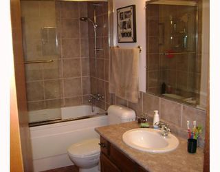 Photo 8: 140 BENTLEY Street in WINNIPEG: Maples / Tyndall Park Residential for sale (North West Winnipeg)  : MLS®# 2813042