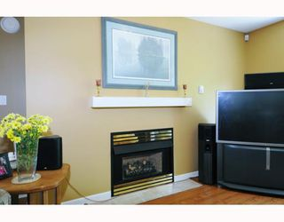 """Photo 3: 434 1252 TOWN CENTRE Boulevard in Coquitlam: Canyon Springs Condo for sale in """"THE KENNEDY"""" : MLS®# V773120"""