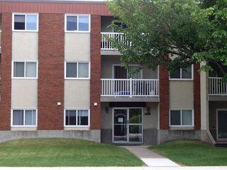 Photo 1: 306 10615 156 Street in Edmonton: Zone 21 Condo for sale : MLS®# E4165445