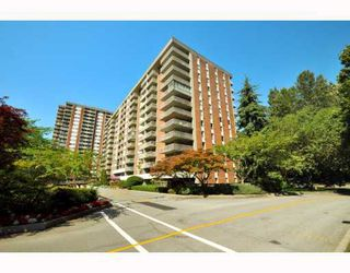 "Photo 1: 720 2012 FULLERTON Avenue in North_Vancouver: Pemberton NV Condo for sale in ""Woodcroft"" (North Vancouver)  : MLS®# V782754"