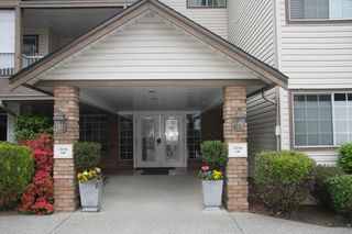 Photo 4: 108 32145 Old Yale Road in Abbotsford: West Abbotsford Condo for sale : MLS®# R2458286