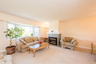 Photo 7: 6329 ELGIN Avenue in Burnaby: Forest Glen BS House for sale (Burnaby South)  : MLS®# R2465261