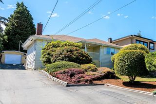 Photo 1: 6329 ELGIN Avenue in Burnaby: Forest Glen BS House for sale (Burnaby South)  : MLS®# R2465261
