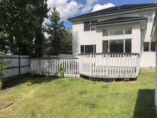 Photo 4: 4040 31 Street NW in Edmonton: Zone 30 House for sale : MLS®# E4202960