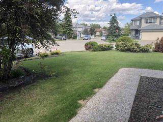 Photo 2: 4040 31 Street NW in Edmonton: Zone 30 House for sale : MLS®# E4202960
