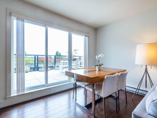 "Photo 7: PH1 1777 KINGSWAY Avenue in Vancouver: Victoria VE Condo for sale in ""NORTHVIEW LANDING"" (Vancouver East)  : MLS®# R2474993"