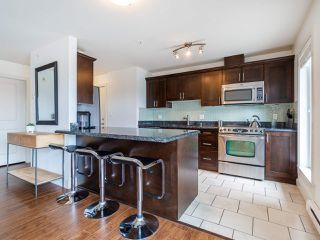 "Photo 10: PH1 1777 KINGSWAY Avenue in Vancouver: Victoria VE Condo for sale in ""NORTHVIEW LANDING"" (Vancouver East)  : MLS®# R2474993"