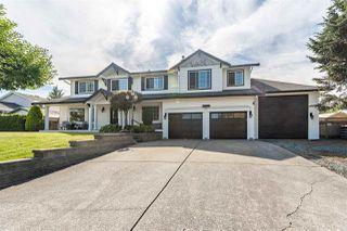 Photo 2: 5681 E SUNRISE Crescent in Surrey: Cloverdale BC House for sale (Cloverdale)  : MLS®# R2481270