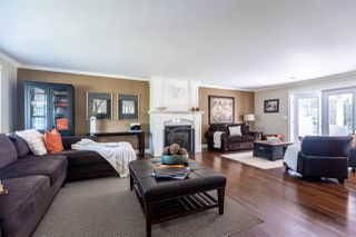 Photo 4: 5681 E SUNRISE Crescent in Surrey: Cloverdale BC House for sale (Cloverdale)  : MLS®# R2481270