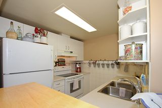 Photo 9: 104 828 Agnes Street in Westminster Towers: Home for sale : MLS®# V852876