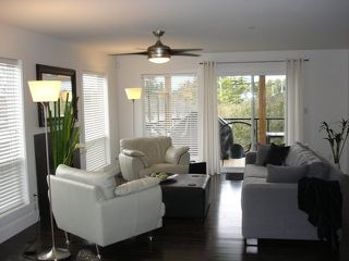 Photo 3: 1533 Brearley Street in White Rock: Home for sale : MLS®# F2624493