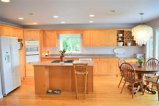 Photo 3: 12431 263 Street in Maple Ridge: Websters Corners House for sale : MLS®# R2524375