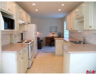 Photo 5: 103 15290 18TH Avenue in Surrey: King George Corridor Condo for sale (South Surrey White Rock)  : MLS®# F2819956