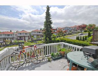 Photo 9: 1354 E 15TH Avenue in Vancouver: Grandview VE House for sale (Vancouver East)  : MLS®# V725842