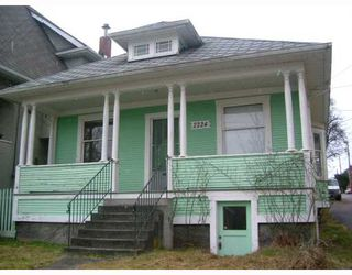 Photo 2: 2224 VICTORIA Drive in Vancouver: Grandview VE House for sale (Vancouver East)  : MLS®# V756259