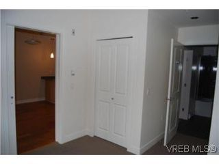 Photo 8: 202 3614 richmond Rd in VICTORIA: SE Mt Tolmie Condo Apartment for sale (Saanich East)  : MLS®# 498925