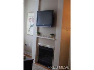 Photo 3: 202 3614 richmond Rd in VICTORIA: SE Mt Tolmie Condo Apartment for sale (Saanich East)  : MLS®# 498925